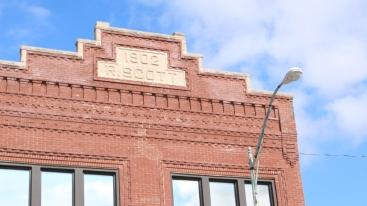 Building next to Muncie Civic Theatre