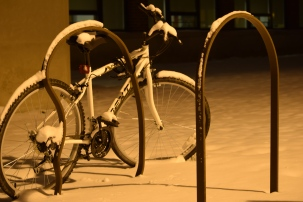 Snowy abandoned bike